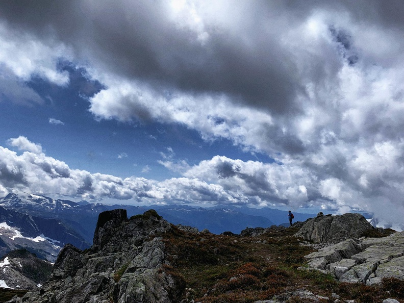 >Magnificent views from Ossa west ridge